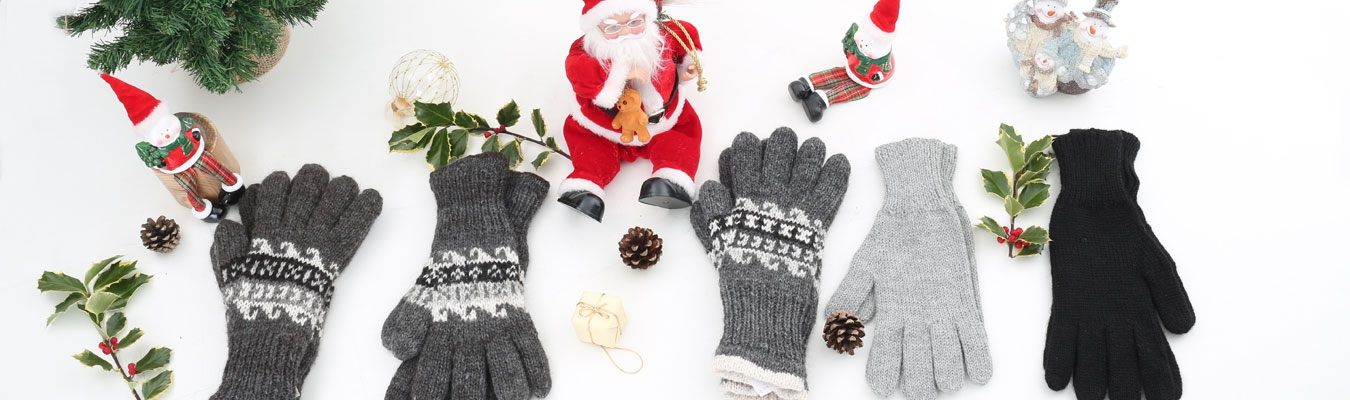 Scarves, Hats & Gloves