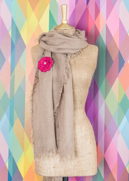 Powder Abigail Scarf With Brooch Stone