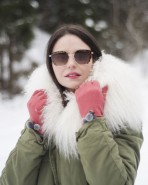 Powder Betty Wool Gloves Coral